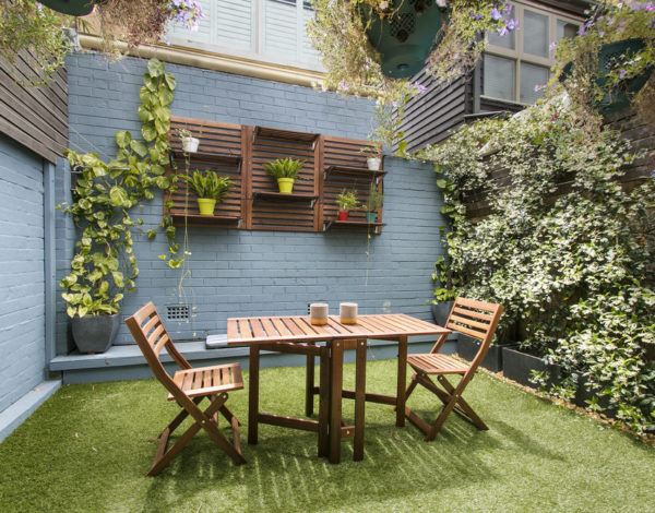 Small Garden With Compact and Fresh Looks